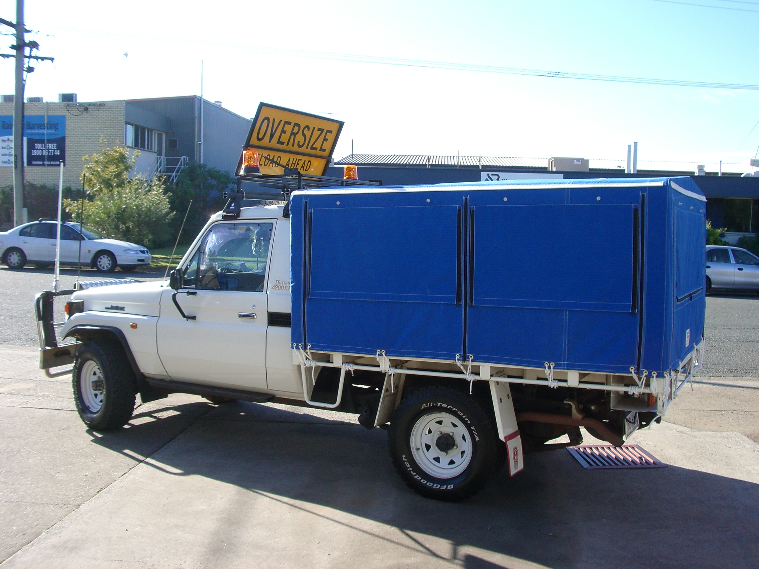 Plain canvas ute canopy